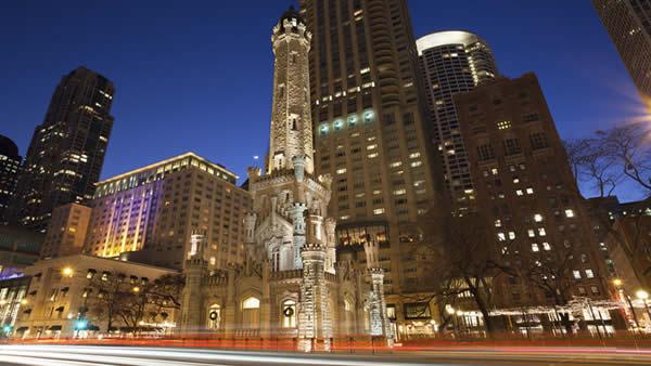 Antigua torre de agua de Chicago water tower