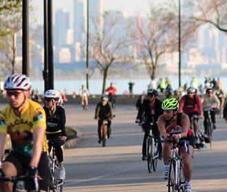 Ciclismo en avenida Lake Shore Drive